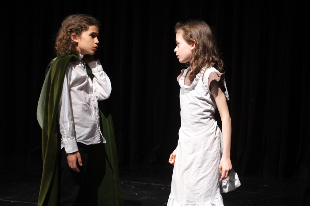 7-11 year olds rehearse harry potter at theatre summer camp